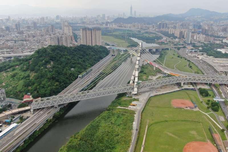安坑輕軌預計111年通車,屆時安坑地區至臺北市的通勤時間約可減少15至20分鐘。(圖/新北市捷運局提供)