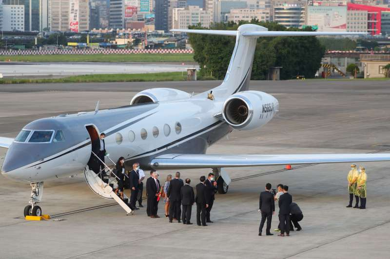美國國務院次卿柯拉克訪團搭乘「灣流五型」專機(AP)