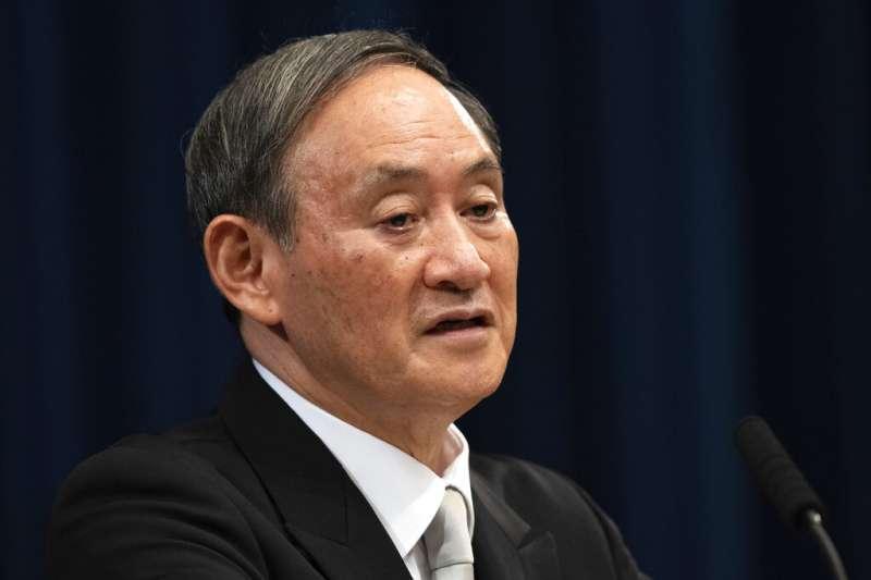 日相菅義偉21日於印尼召開記者會,表示日本並未考慮成立「亞洲版北約」。(美聯社)