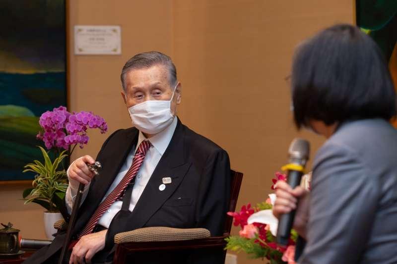 2020年9月18日,日本前首相森喜朗18日訪台,總統蔡英文於總統府內接見。(總統府)