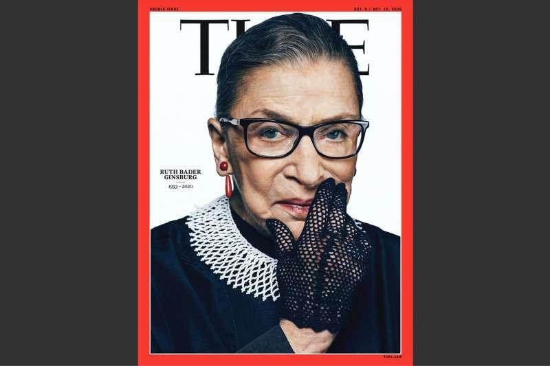 美國聯邦最高法院大法官金斯堡2020年9月18日在家中逝世,最新一期的《時代》雜誌封面隨即決定使用她的照片。(美聯社)