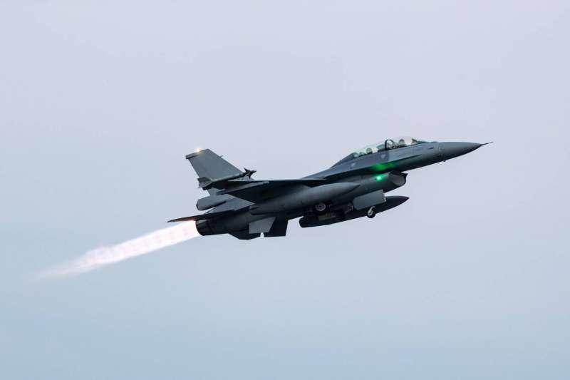 20200922-嘉義基地F-16V。(軍聞社提供)
