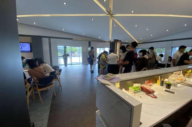 據住宅週報調查,新竹金雅重劃區的竹慶金宴上周六開賣3小時就宣布封盤。(住宅週報提供)
