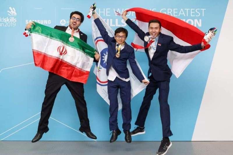 新北高工學生塗家和榮獲第45屆國際技能競賽資訊技術(軟體應用)金牌。(圖/Worldskills 大會提供)