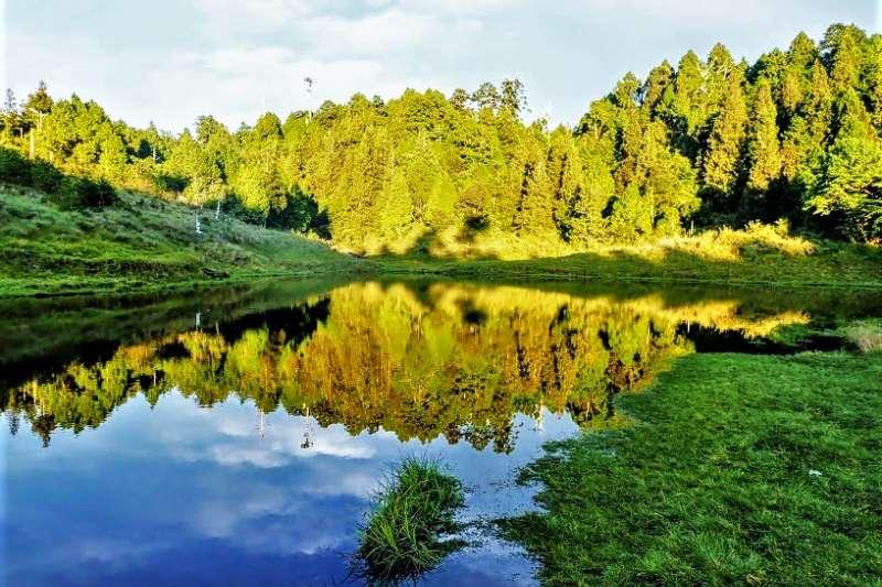 原來台灣還隱藏了這麼多美麗的湖泊,此生必去的13個夢幻秘境,沒去一定會後悔!(圖/Tripbaa趣吧!自由行專家)
