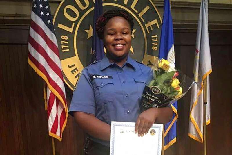 美國肯塔基州非裔女救護員布羅娜‧泰勒死於警察槍下。(AP)