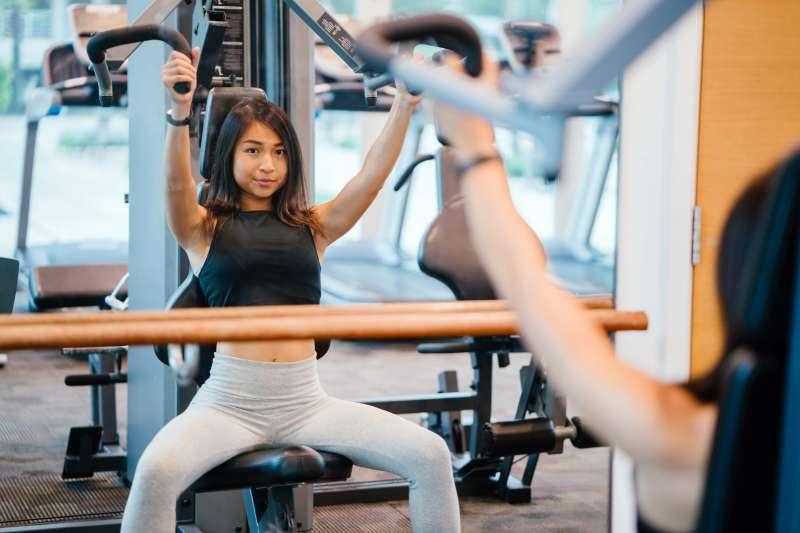 你是否也是每個月繳了一、兩千塊的健身房費用,只去三個月就再也沒去過了呢?(圖/取自Pexels)