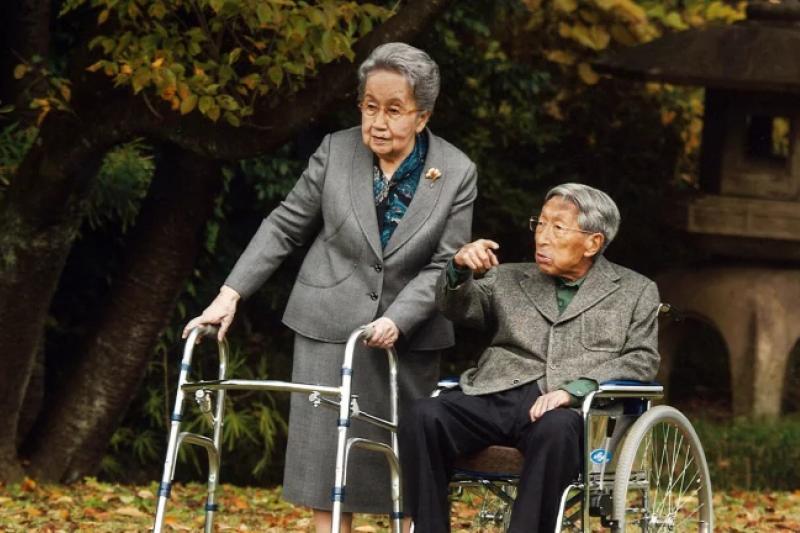 日本皇室最年長成員三笠宮崇仁親王與太太百合子(資料照,AP)