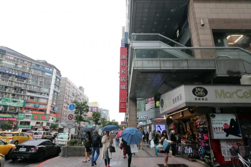 住商混合大樓由於店家多,同時人潮進進出出,因此大樓的公用水電用量也會較一般純住宅多。(圖/591房屋交易網提供)