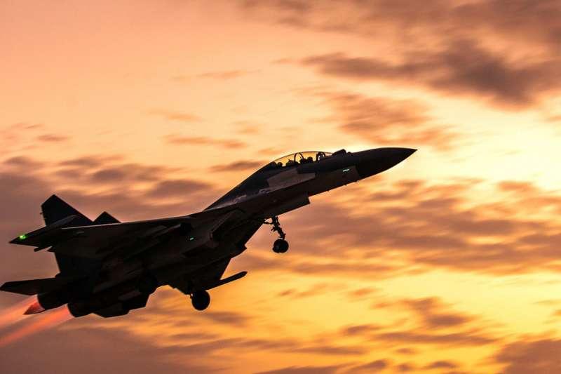 台美高層互動親密,中共不滿,刻意派遣軍機多次跨越海峽中線。(翻攝自中國軍網)