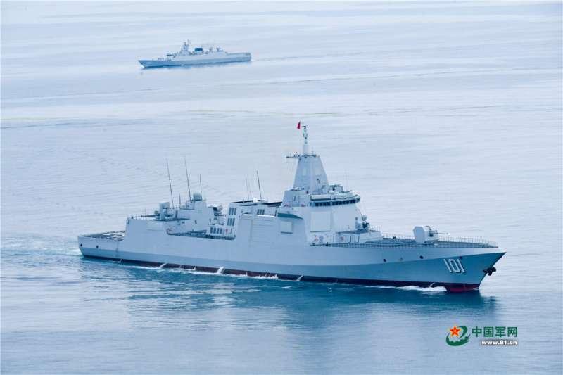 解放軍。055型飛彈驅逐艦「南昌艦」。(中國軍網)