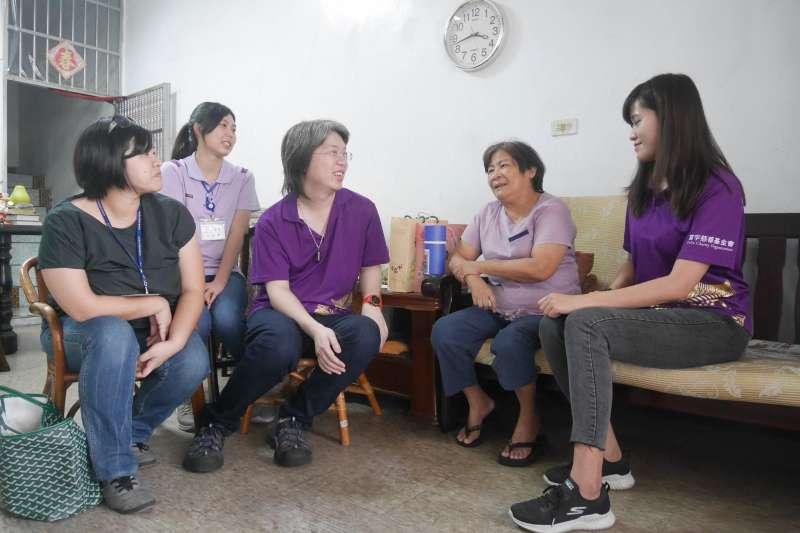 富宇慈善基金會執行長張宇承表示,這次號召志工投入社會關懷,親自走入社區,希望透過行動,為社會帶來正向力量。(富宇建設提供)