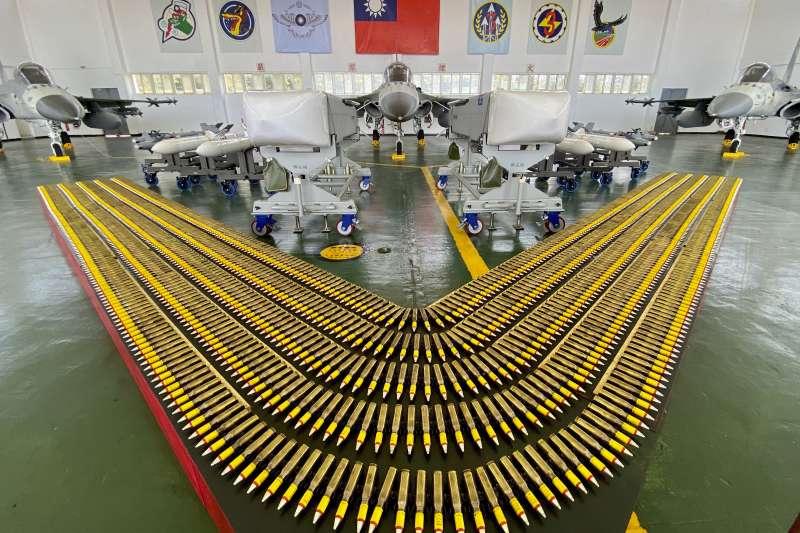 澎湖馬公基地展示IDF戰機和武器(AP)