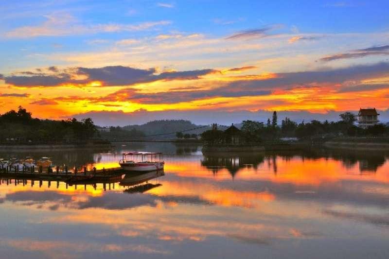 來到台南,你絕對不能錯過這10個絕美的人氣景點!(圖/虎頭埤風景區@facebook)