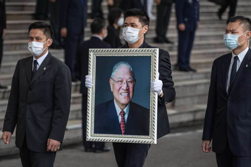 前總統李登輝奉安禮拜7日上午在汐止五指山國軍示範公墓舉行。(取自軍聞社)