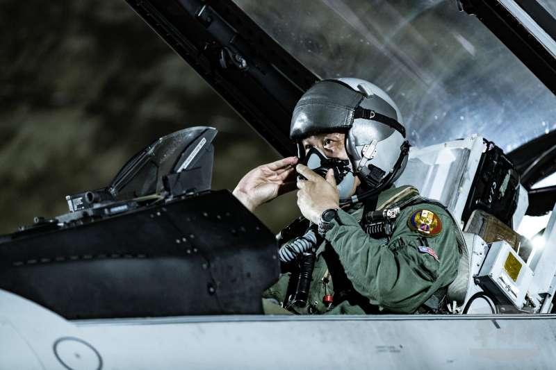 空軍F-16V BLK20戰機,構改後,成為新興兵力代表,亦是空防戰力指標。(取自軍聞社)