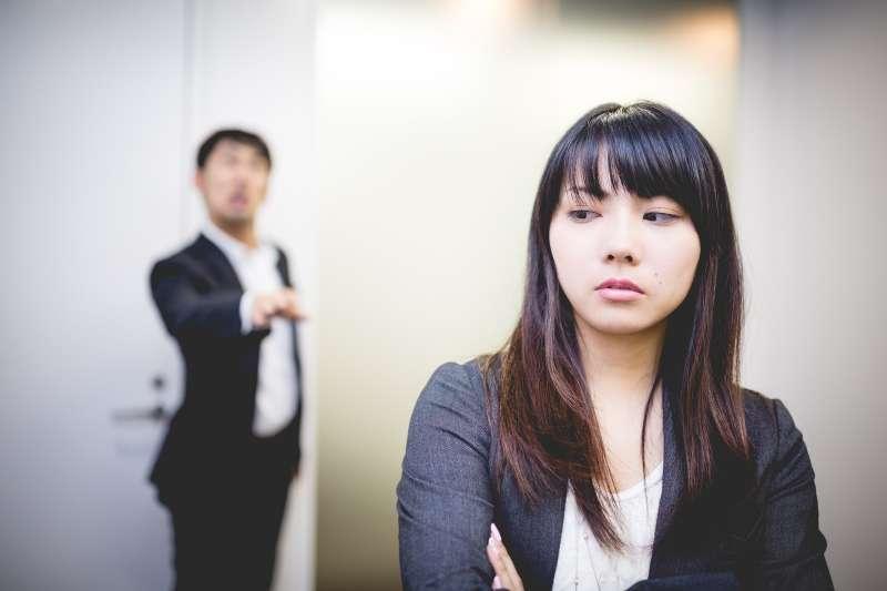 遇到像藍鬍子形象的主管,你會怎麼做呢?(圖/取自すしぱく@pakutaso)