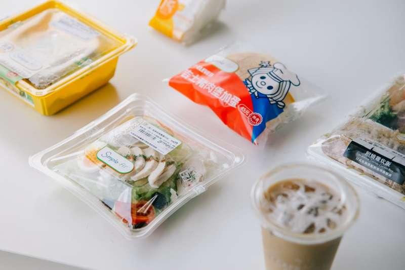 20201013-超商食品的塑膠包裝。(綠色和平提供)