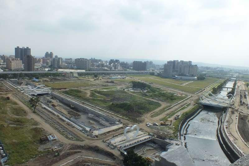 有建商在台中13期重劃區挖到千年遺址,被政府要求停工並搶救遺址。(商總提供)