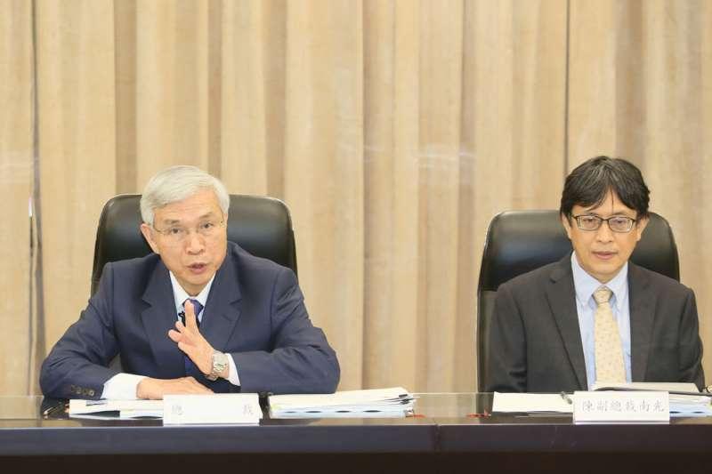 楊金龍(左)認為房價還不是非常高,陳南光(右)主張超前部署未獲重視。(柯承惠攝)