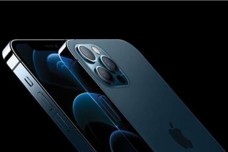 中央銀行總裁楊金龍推測,iPhone 12較貴的原因是廠商沒有如實反應匯價。(資料照,美聯社)