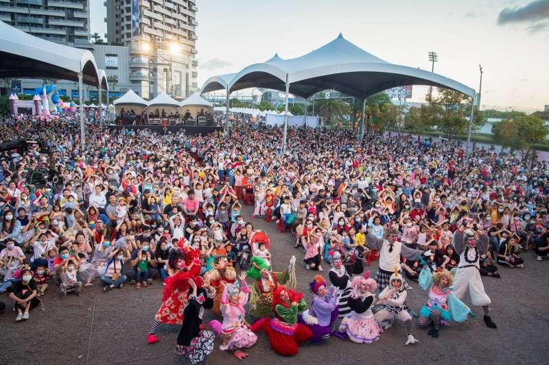 此次「愛在桃園」公益園遊會,總計有上萬市民共同參與。(圖/富比士地產王提供)
