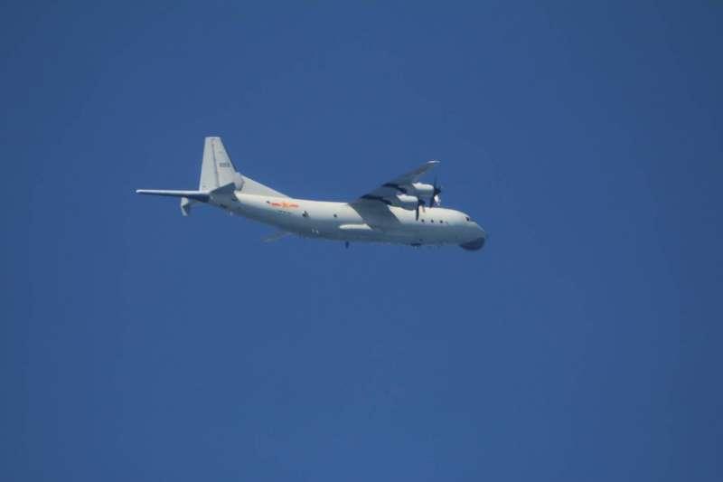 空軍15日公布中共運8反潛機照。(空軍司令部提供)
