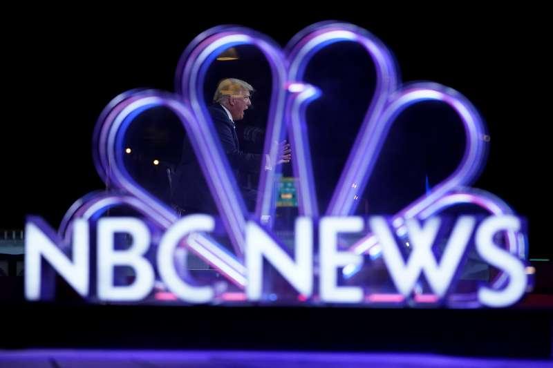 美國總統川普日前在白宮對大選發表談話,因談話內容不實,全國廣播公司(NBC)等媒體直接中斷直播。(AP)