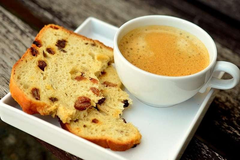 空腹喝咖啡會讓身體處理血糖的能力變差,長期下來,將影響調解血糖功能。(圖/取自Pixabay)