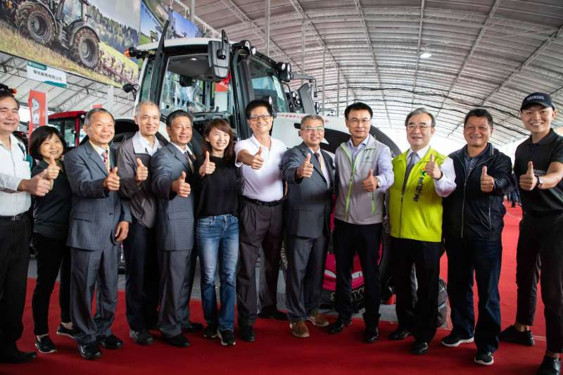 2020 第15屆台灣國際農業機械暨資材展於桃園高鐵站前廣場舉辦。(圖/農委會農糧署提供)