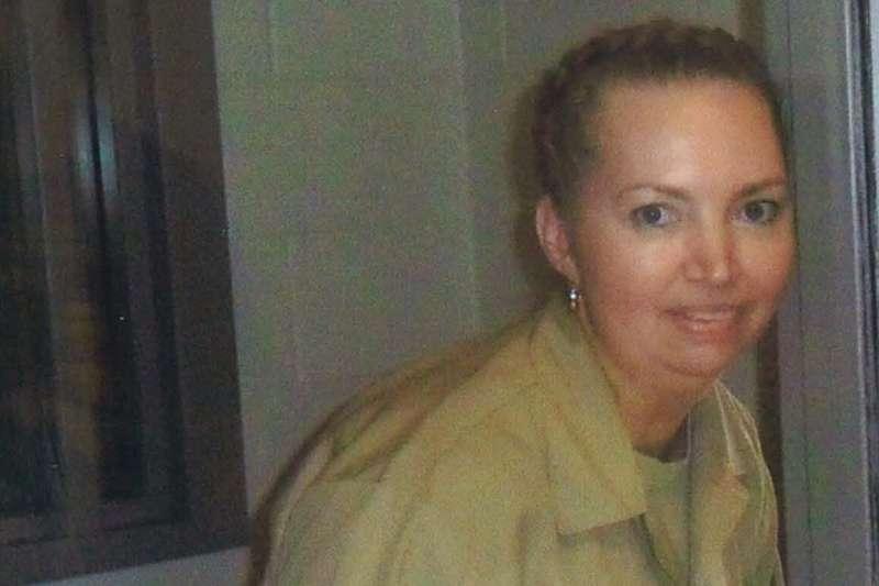 美國聯邦政府將於12月處決女囚蒙哥瑪莉,她在2004年勒斃一位孕婦並剖腹奪走其腹中胎兒。(AP)