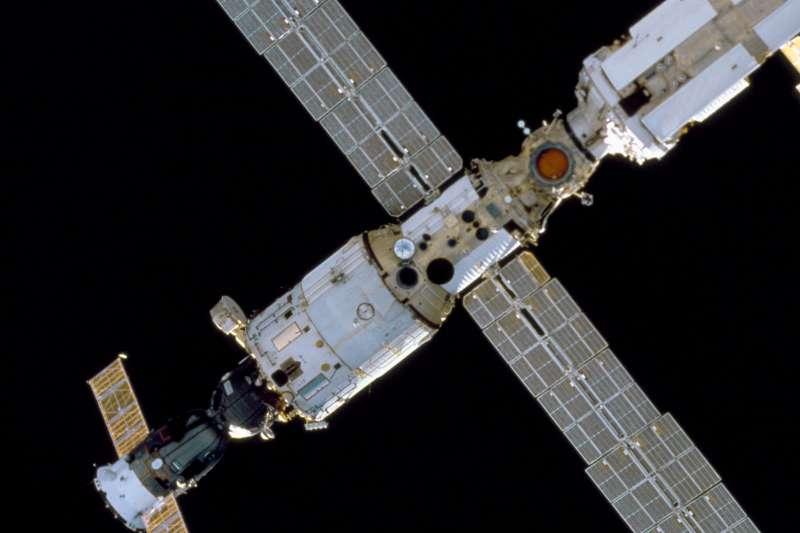 國際太空站的星辰號服務艙是這次空氣異常外洩的源頭(Wikipedia/Public Domain)