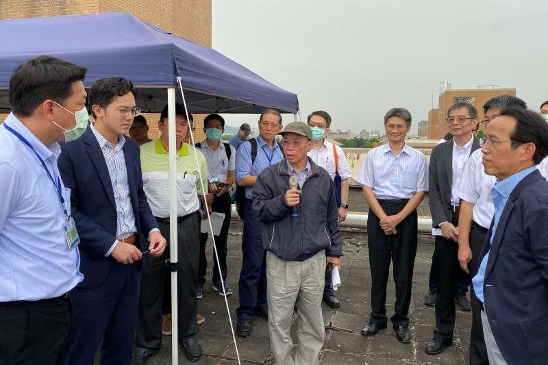 行政院張景森政委指示以明年底開放選地設廠為目標全力支持。(圖/高雄市經發局提供)