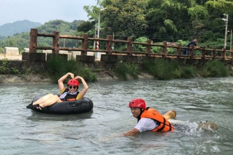 乘風而騎加入漂漂河的活動,讓單車遊程更增添豐富色彩。(圖/高雄旅遊網提供)