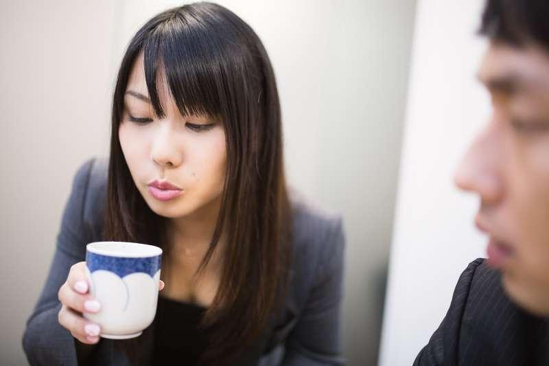 只要了解基本知識就能放心冷靜地選購茶葉,就算在沒有茶壺的地方也能輕鬆試喝。(示意圖/pakutaso)