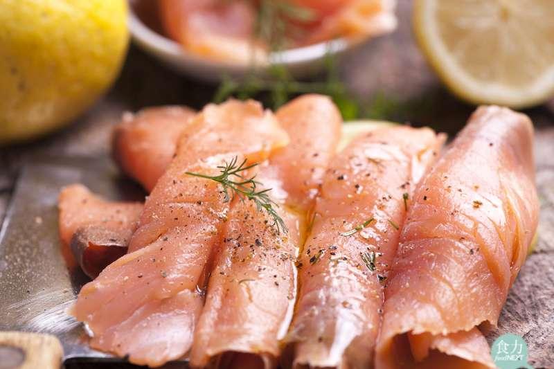 煙燻鮭魚該怎麼料理比較美味呢?(圖/食力foodNEXT提供)