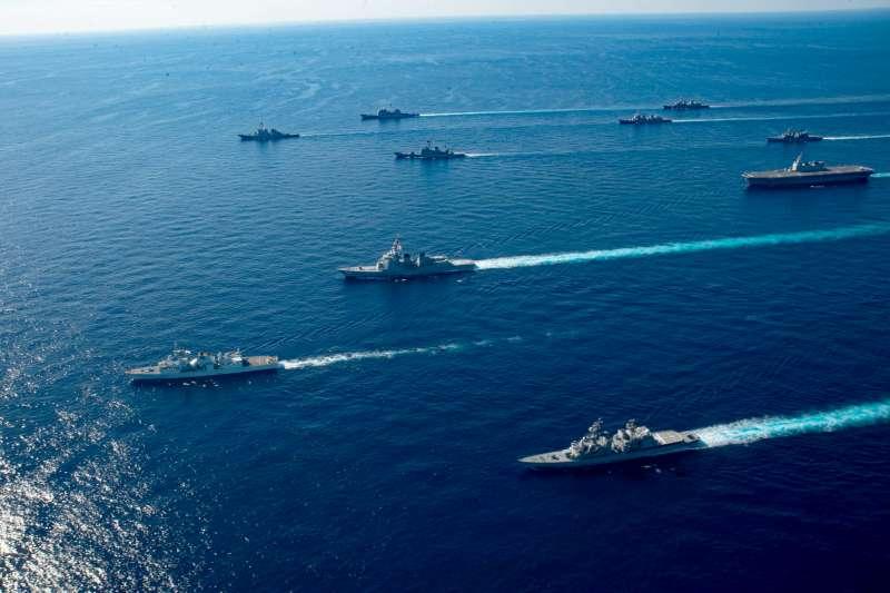 退役陸軍少將于北辰表示,美方告誡台灣中國可能動武的原因,就是希望同時可以賣武器。圖為日本與美國的海陸空軍事演習。(資料照,取自美國海軍官網)
