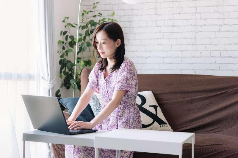 作者表示,需謹慎選擇工作,因為工作會影響人的性格及價值觀。(示意圖/取自pakutaso)