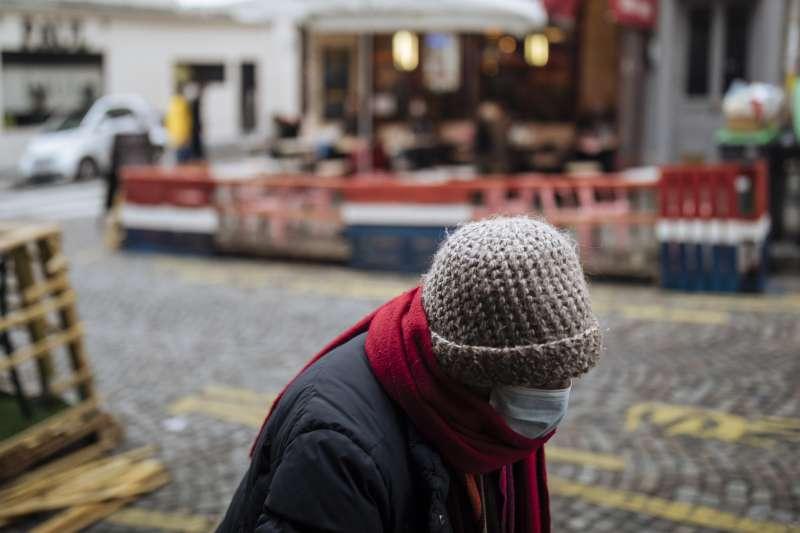 2020年10月,歐洲新冠肺炎疫情再度大爆發,經濟再度遭到重創(AP)