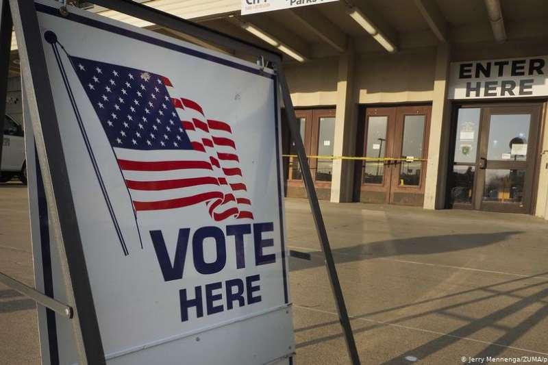 在新冠疫情和BLM運動的影響下,今年美國華人參與總統大選的投票熱情變得尤其得高(DW)