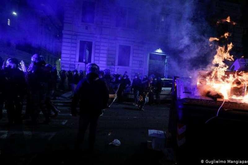 羅馬右翼鬧事者與警方發生衝突。(德國之聲)