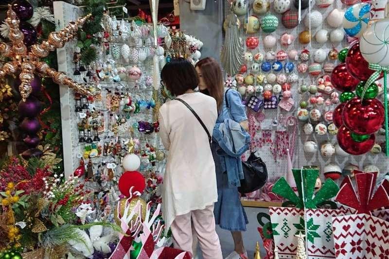 國際級耶誕飾品即日起開賣。(圖/聯瑩工藝提供)