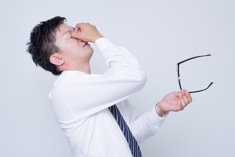 用眼過度容易導致近視,平常可以食用含有葉黃素的食物或是葉黃素保健食品,來幫助抵抗讓人體老化的自由基。(圖/取自Pakutaso)