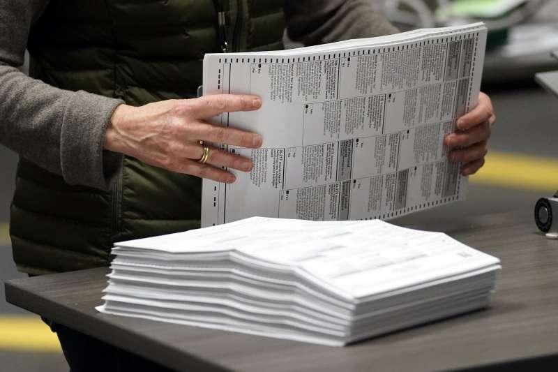 2020美國大選,此次計票將比過去困難不少,選舉結果的揭曉時間也會延後。(AP)
