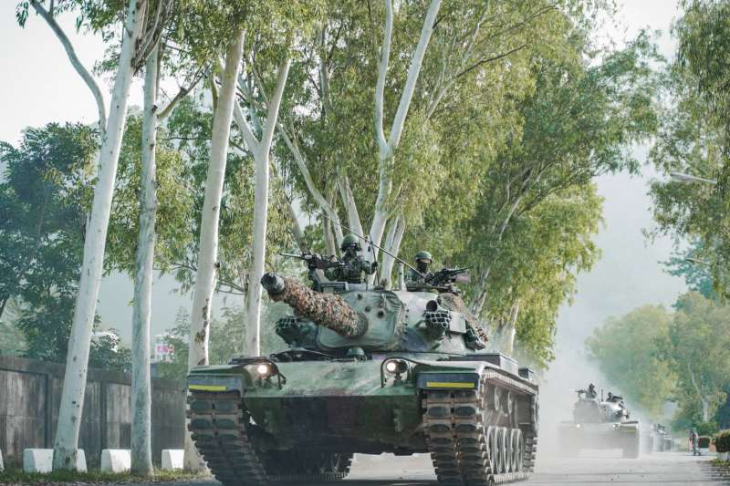 20201103-國軍本周進行第4季戰備周實兵演練,CM11勇虎戰車實施道路機動。(國軍第4作戰區提供)