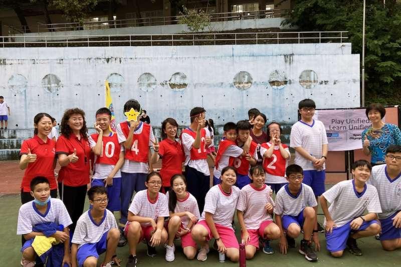 師生共同見證每位運動員盡力展現特殊奧運的精神「勇敢嘗試,爭取勝利」。(圖/新北市立文山國中提供)