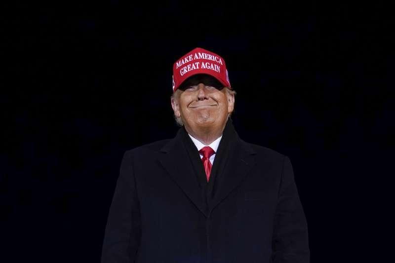 川普總統拒絶承認敗選,這種新局面在美國引發不安。(AP)