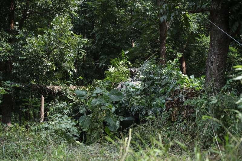 20201103-CM11戰車隱藏在樹林中。(國軍第四作戰區提供)