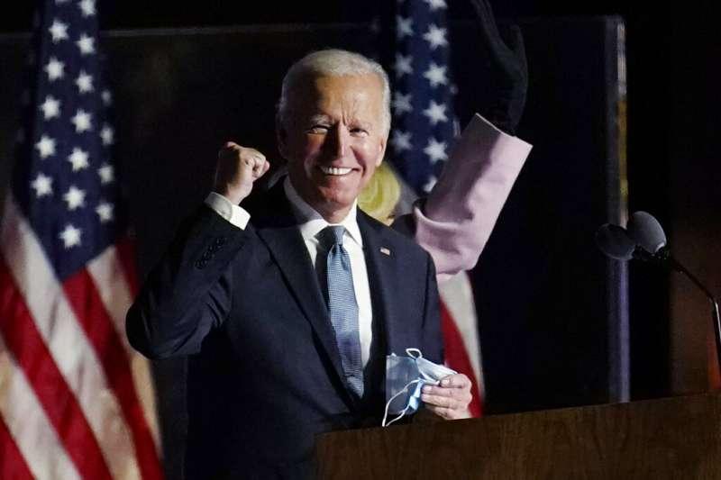 拜登在當地時間11月4日(投票日次日)凌晨出面發表談話,表示他堅信可以贏得最後勝利。(美聯社)