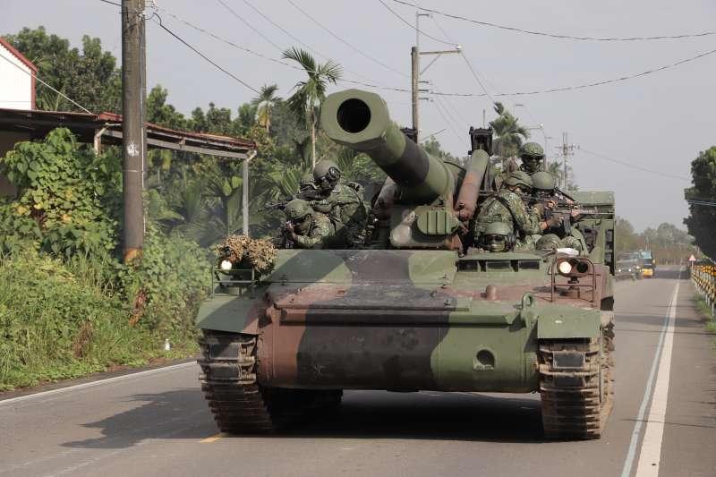 國軍第4作戰區「第4季戰備任務訓練」實兵演練4日進入第3天,M110自走砲現身。(國軍第4作戰區提供)